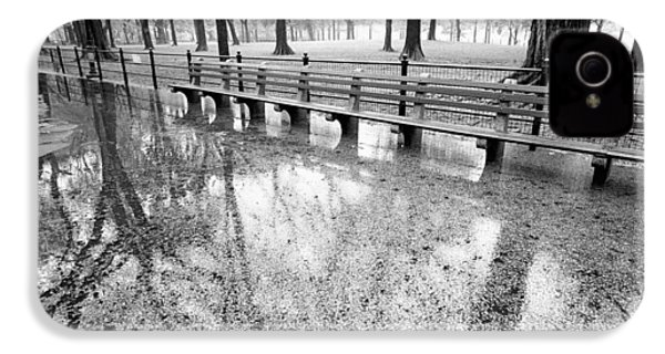 IPhone 4 Case featuring the photograph Benches Reflection Poets Walk by Dave Beckerman