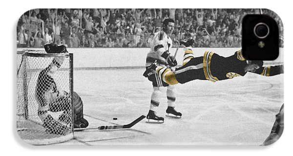 Bobby Orr 2 IPhone 4 / 4s Case by Andrew Fare