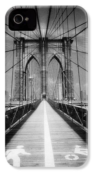 IPhone 4 Case featuring the photograph Brooklyn Bridge Infrared by Dave Beckerman