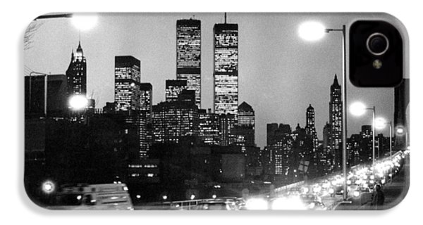 Brooklyn Bridge Traffic II Dusk 1980s IPhone 4 Case