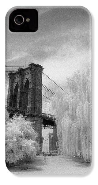 Brooklyn Bridge Willows IPhone 4 Case by Dave Beckerman