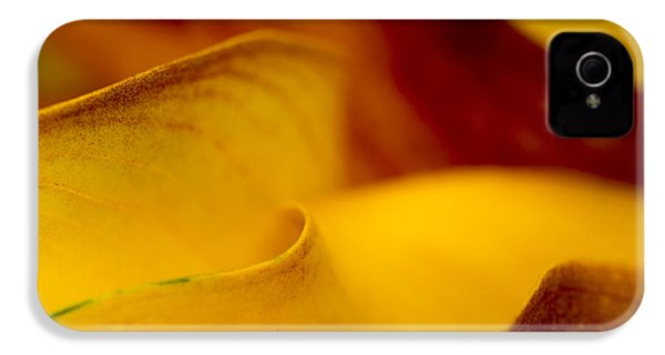 Calla Lily Waves IPhone 4 / 4s Case by Sebastian Musial
