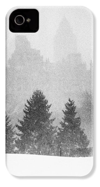 IPhone 4 Case featuring the photograph Cedar Hill Snow Shapes by Dave Beckerman