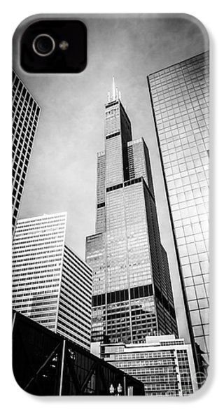 Chicago Willis-sears Tower In Black And White IPhone 4 Case by Paul Velgos