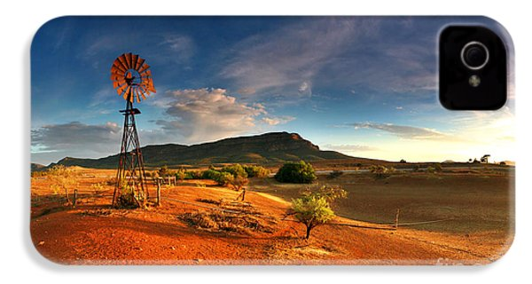 First Light On Wilpena Pound IPhone 4 Case