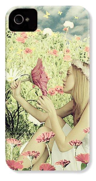 Flora IPhone 4 Case by Linda Lees