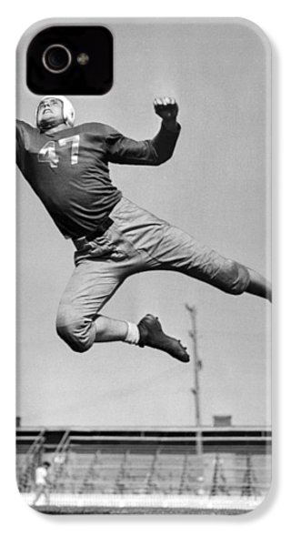 Football Player Catching Pass IPhone 4 / 4s Case by Underwood Archives
