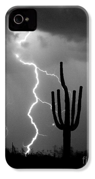 Giant Saguaro Cactus Lightning Strike Bw IPhone 4 Case