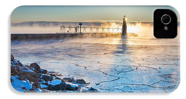 Icy Morning Mist IPhone 4 Case by Bill Pevlor
