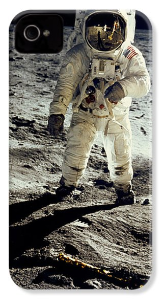 Man On The Moon IPhone 4 / 4s Case by Neil Armstrong/Underwood Archive