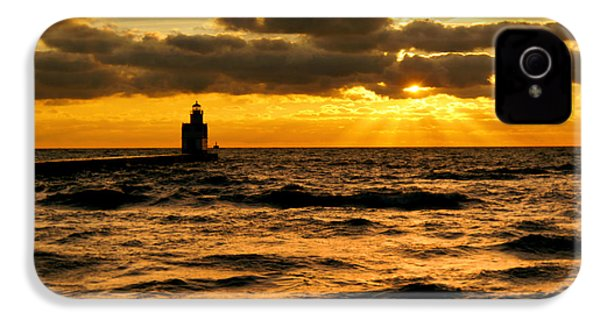Moody Morning IPhone 4 Case by Bill Pevlor