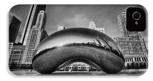 Morning Bean In Black And White IPhone 4 / 4s Case by Sebastian Musial