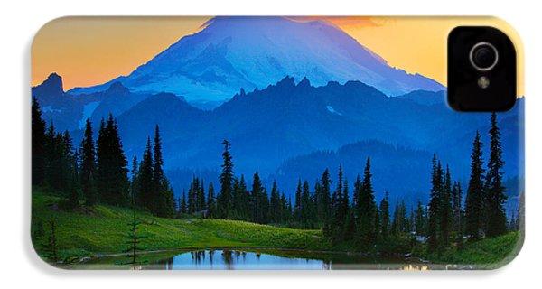Mount Rainier Goodnight IPhone 4 / 4s Case by Inge Johnsson