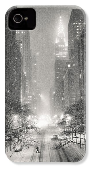 New York City - Winter Night Overlooking The Chrysler Building IPhone 4 Case by Vivienne Gucwa