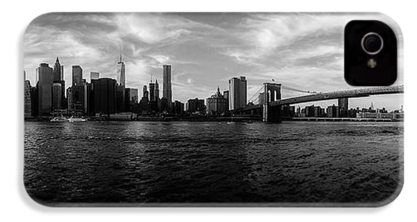 New York Skyline IPhone 4 Case by Nicklas Gustafsson