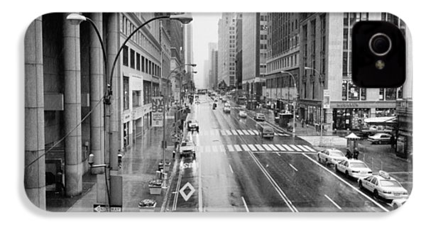IPhone 4 Case featuring the photograph Pershing View 42nd Street Nyc by Dave Beckerman