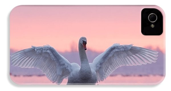 Pink Swan IPhone 4 / 4s Case by Roeselien Raimond