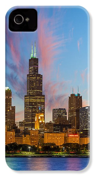 IPhone 4 Case featuring the photograph Sears Tower Sunset by Sebastian Musial