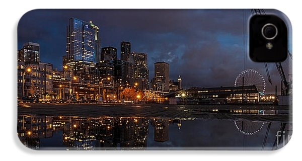 Seattle Night Skyline IPhone 4 / 4s Case by Mike Reid