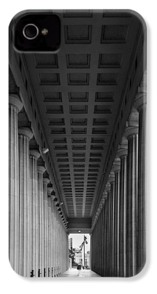 Soldier Field Colonnade Chicago B W B W IPhone 4 / 4s Case by Steve Gadomski