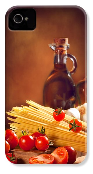 Spaghetti Pasta With Tomatoes And Garlic IPhone 4 Case by Amanda Elwell