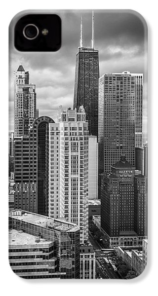 Streeterville From Above Black And White IPhone 4 / 4s Case by Adam Romanowicz