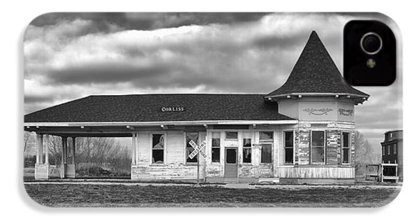 IPhone 4 Case featuring the photograph Sturtevant Old Hiawatha Depot by Ricky L Jones