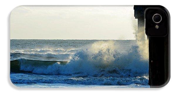 IPhone 4 Case featuring the photograph Sun Splash by Anthony Baatz