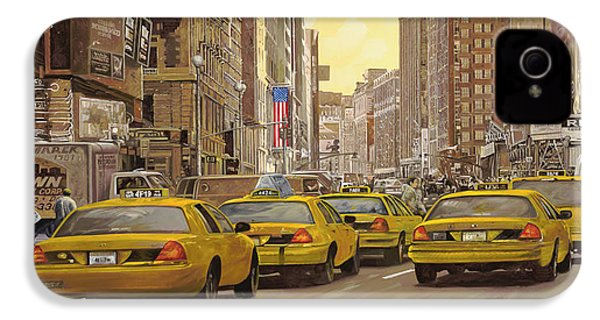 taxi a New York IPhone 4 Case by Guido Borelli