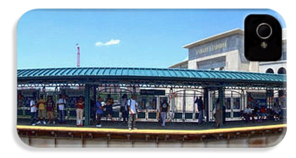 The Old And New Yankee Stadiums Panorama IPhone 4 / 4s Case by Nishanth Gopinathan