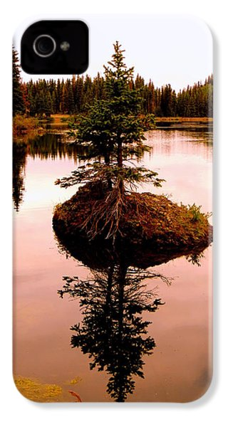 Tiny Island IPhone 4 Case by Karen Shackles