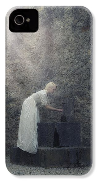 Wishing Well IPhone 4 / 4s Case by Joana Kruse