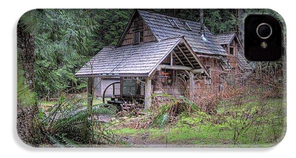 Rustic Cabin IPhone 4 Case