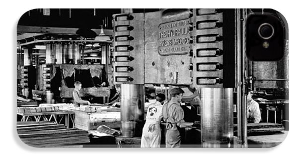 Wwii Aircraft Factory IPhone 4 Case by Underwood Archives