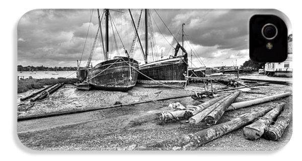 Boats And Logs At Pin Mill  IPhone 4 Case by Gary Eason