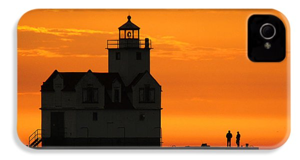 Morning Friends IPhone 4 Case by Bill Pevlor