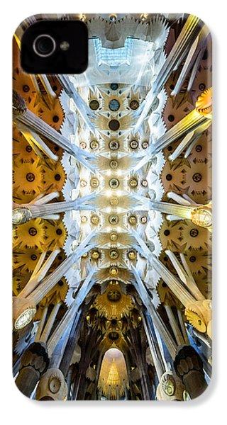 Basilica De La Sagrada Familia IPhone 4 Case
