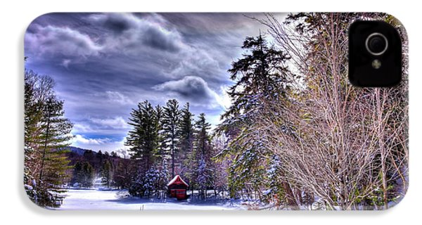 IPhone 4 Case featuring the photograph The Beaver Brook Boathouse by David Patterson