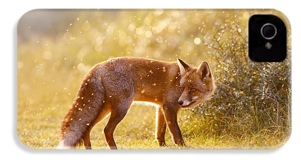 The Fox And The Fairy Dust IPhone 4 / 4s Case by Roeselien Raimond