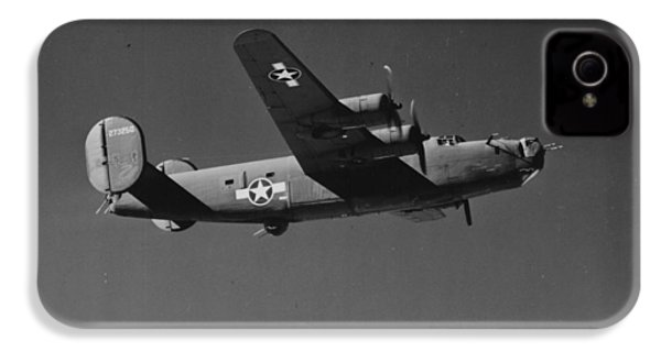 Wwii Us Aircraft In Flight IPhone 4 Case by American School