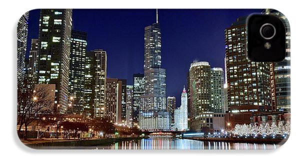 A View Down The Chicago River IPhone 4 Case by Frozen in Time Fine Art Photography