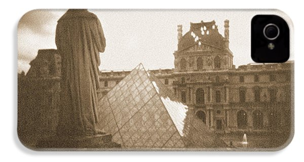 A Walk Through Paris 16 IPhone 4 Case by Mike McGlothlen