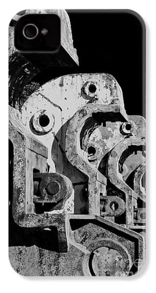 IPhone 4 Case featuring the photograph Beam Bender - Bw by Werner Padarin