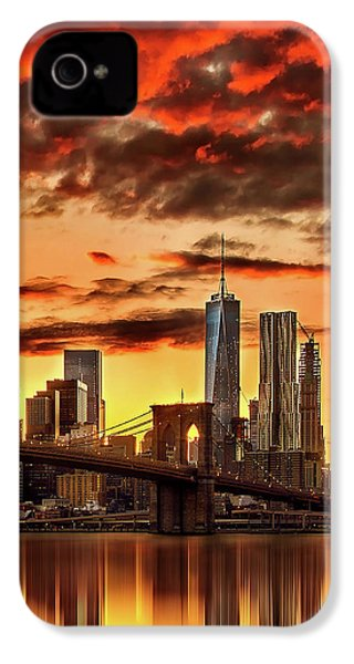 Blazing Manhattan Skyline IPhone 4 Case