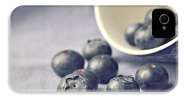 Bowl Of Blueberries IPhone 4 / 4s Case by Lyn Randle