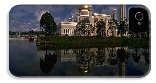 Brunei Mosque IPhone 4 Case