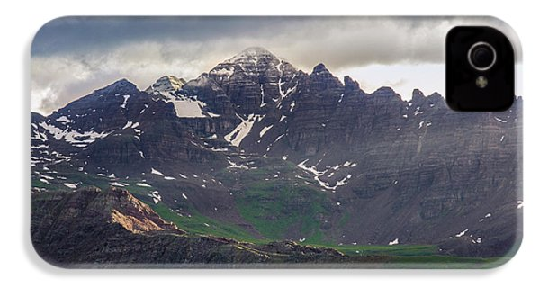IPhone 4 Case featuring the photograph Castle Peak by Aaron Spong