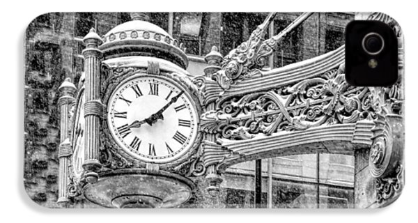 IPhone 4 Case featuring the photograph Chicago Marshall Field State Street Clock Black And White by Christopher Arndt