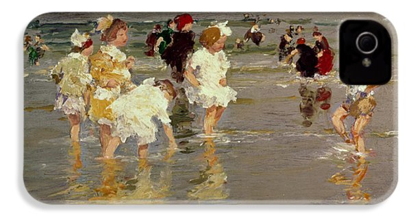 Children On The Beach IPhone 4 Case by Edward Henry Potthast