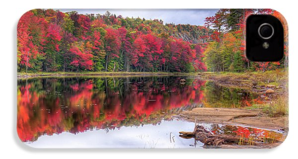 IPhone 4 Case featuring the photograph Fall Color At The Pond by David Patterson
